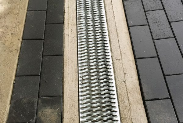 Garage pave-Landscape-robert-Caucci
